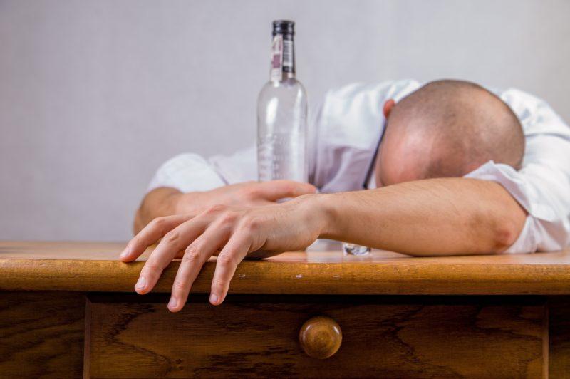 La depresión alcohólica: la botella puede estar aumentando la depresión